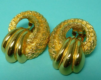 Christian Dior Swirl Earrings Gold Plated Clip On