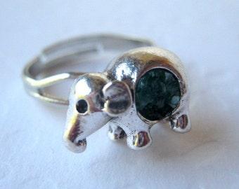 Elephant Ring, Small Elephant, Baby Elephant Ring, Elephant Jewelry, Silver Elephant, Animal Ring