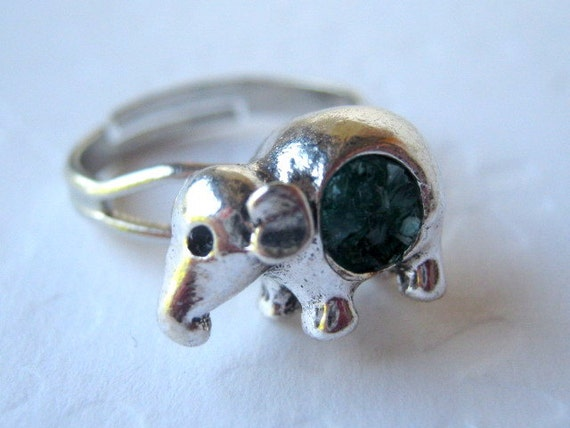 Elephant Ring, Small Elephant, Baby Elephant Ring, Elephant Jewelry, Silver Elephant, Animal Ring