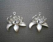 Lotus Blossum Links, Matte Rhodium