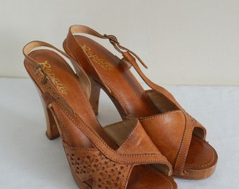 Vintage boho honey brown leather high heels size 7.5