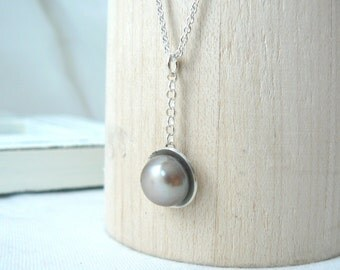 Linda - Sterling silver and Freshwater Pearl Simple Pendant - Taupe color Pearl