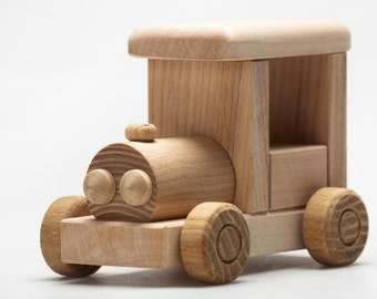1 natural wooden toy car