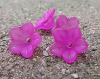 Lucite Flower Beads Fushia 12mm X 6mm (Item Number F126)