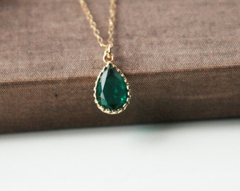 Emerald Necklace,Gold Necklace,Emerald Pendant,Layering Necklace,Gold Necklace,Delicate Necklace,May Birthstone,Emerald
