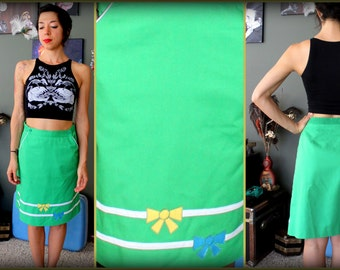 Vintage 1960s Green Pencil Skirt with Bows and Pockets