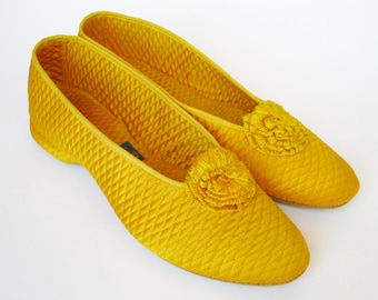 Vintage 30s 40s Gold Quilted Satin Auntie Mame Boudoir Slippers size 7