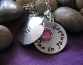 Personalized New Mom Necklace, Pregnancy Announcement, Expecting Mother Necklace, Mommy Locket, Handstamped necklace, Baby shower gift, baby