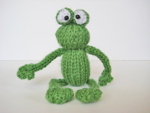 Knitted Frog Pattern : Frog and bugs 4 little toy knitting patterns with by fluffandfuzz