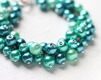 Teal Green Wedding Bridesmaids Jewelry, Pearl Cluster Bracelet, Bridal Party - Bright Emerald Dreams - LAST ONE