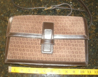 70s vintage Fendi suede and leather rectangle box shoulder cross body handbag purse Authentic