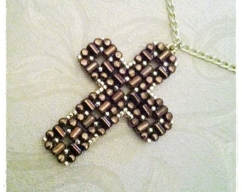 Laudomia Cross Pendant pdf tutorial with rulla beads