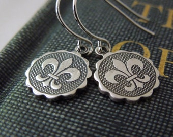 Fleur-de-lis Earrings - Antiqued Silver Brass Fleur de lis Charms Silver Hook Ear Wires
