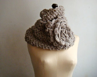 Women Cowl Infinity Loop Scarf with Large Flower Winter Snood Neckwarmer