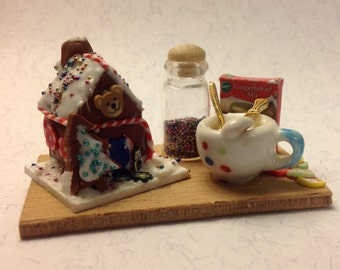 Dolls House Miniatures - 1/12th Gingerbread House set