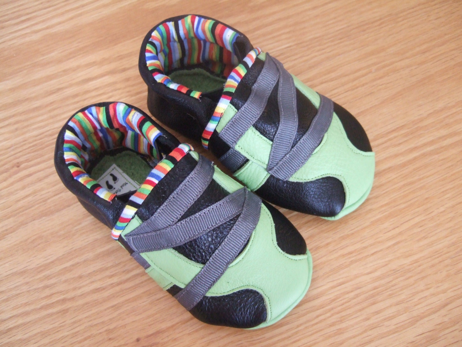baby boy shoes black & lime 12 18 month size