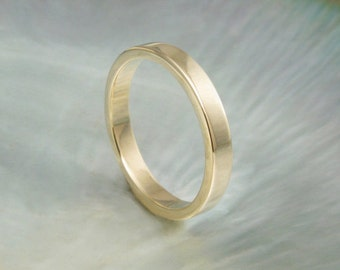 3mm flat wedding band / simple wedding ring in 14k gold