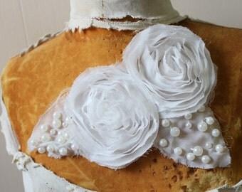 White color beaded  flower    applique   1 pieces listing