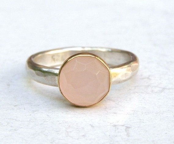 The most unusual wedding rings Rose quartz wedding rings