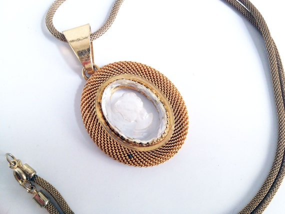 Vintage Glass and Gold Tone Cameo Necklace