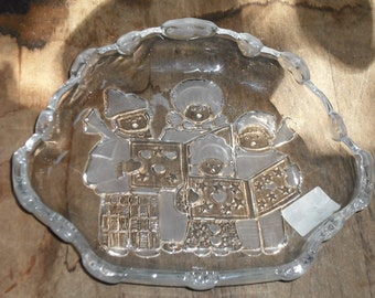 Vintage Mikasa Crystal Pressed Glass Christmas Carolers Candy Bowl Treats Holiday Season Japan Retro Serving Dish Dining Home Kitchen Party
