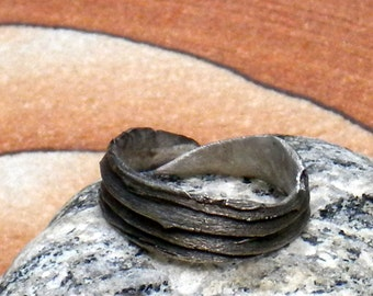 THE DREAM CIRCLE . Fine Silver Weathered Mesquite Bark Ring . size 8