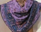 Beautiful Large Purple Wool Oscar de la Renta Scarf - 32 x 32 Square