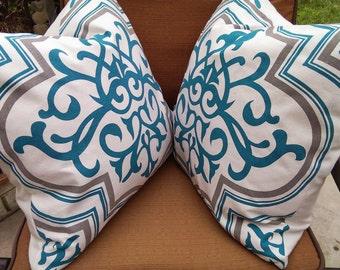 TISSU BURLAP 18x18 Set of 2 Pillows Aqua Damask FEATHER Insert included