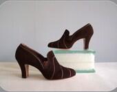 1930s heels / vintage Great Gatsby Art Deco era dark brown high vamp shoes... size 5.5