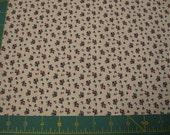 Presque un trimestre Fat - Calicot de Roses sur tissu coton blanc