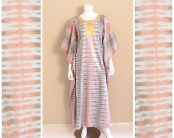 Vintage Tie Dye Caftan Maxi dress with ornate gold embroidery. Dusky pink, light blue, grey cotton, wide sleeve.1960s.