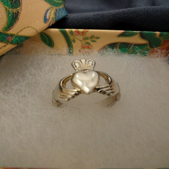 Sterling Silver Claddagh