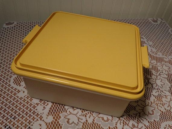 Vintage Tupperware Square Cake Carrier