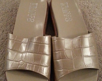 Vintage Never Worn Franco Sarto Sandals Ladies Size 8.5 Casual  Mules Slides Faux Alligator Beige 1990s Made in Brazil
