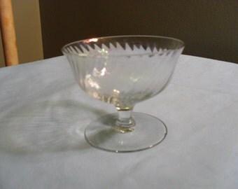 Swirl Pattern Opalescent Dessert or Custard Cup or Dish