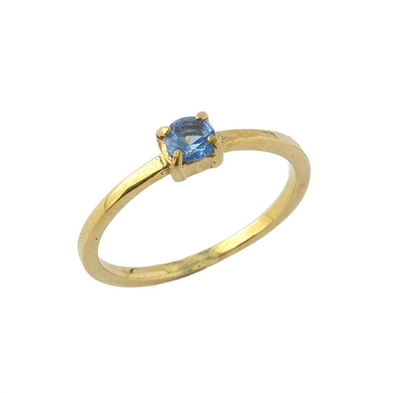 Princess Square Blue Topaz Solitaire Ring in 14k Yellow Gold