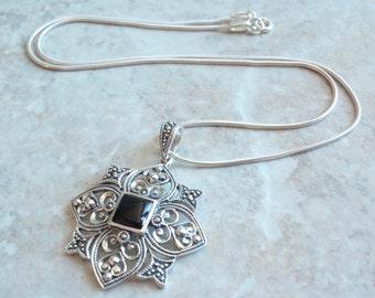 Onyx Marcasite Necklace Sterling Silver Fleur de Lis Ornate Snowflake Vintage 130606