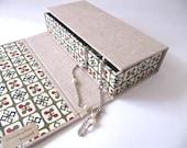 hako chitsu Japanese box - natural with katazome square motif paper