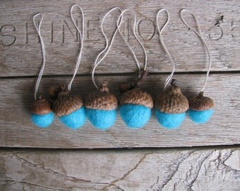 Wool acorn ornaments, set of 6, Bright Turquoise