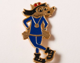 Vintage metal pin, The Wolf, character of Russian cartoon Nu Pogodi.  Badge  from USSR.