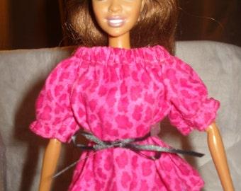 Fashion Doll Coordinates - Peasant top in bright pink Leopard print - es266