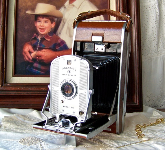 Model Land Movie: Vintage Polaroid Land Camera Model 95A 1950s Display Camera