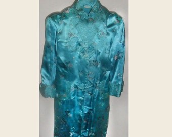 Gorgeous  Vintage Embroidered Oriental Robe /Coat