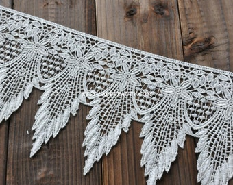 Ivory Venice Lace Trim Fabulous Scalloped Tassels Lace Trim 5.5 Inches Wide 1 Yard Wedding Dress Costumes Supplies