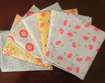 Fat Quarter Bundle of High Street in Grey & Yellow LAST ONE