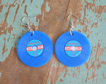 Vintage DISCO RECORD Earrings....dangly. cute. kitschy. vintage charms. blue. music. charm earrings. retro. kitsch jewelry. disco music.