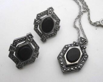 Onyx Pendant Necklace Matching Earrings Avon