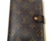 Authentic Louis Vuitton Monogram small ring agenda + Louis vuitton authentic inserts