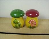 Unique Mushroom Salt and Pepper Shaker Split Set 1960's - 1970's Green Red Japan