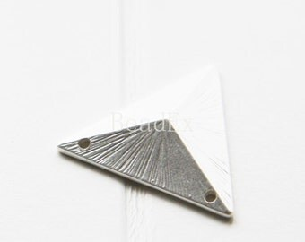 2pcs / Triangle / Matte Silver Plated / Real Silver / Base Metal / Charm / Pendant (C132//H83)